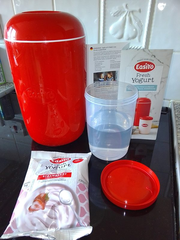 EasiYo yoghurt making review by Family Clan