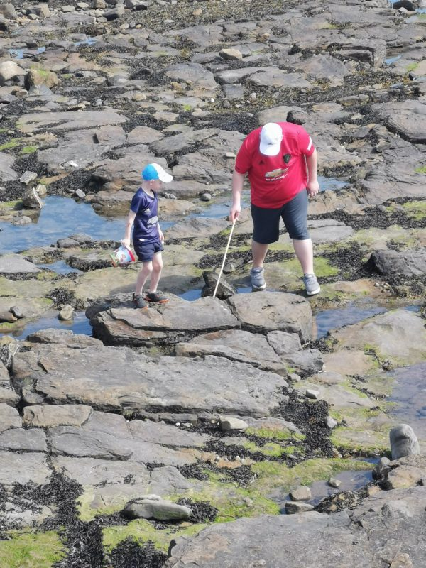 Week Photo Round Up Family Clan Whitley Bay Crabbing in Rock Pools