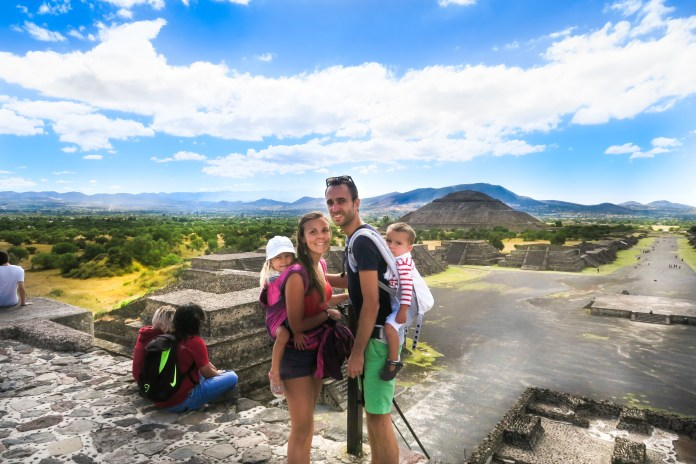 family coste Teotihuacan mexique