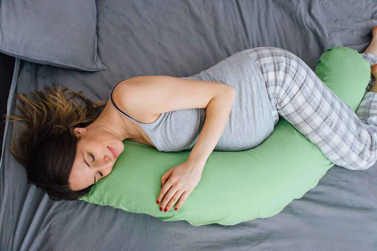 https www familyeducation com pregnancy the best pregnancy pillows according to real moms
