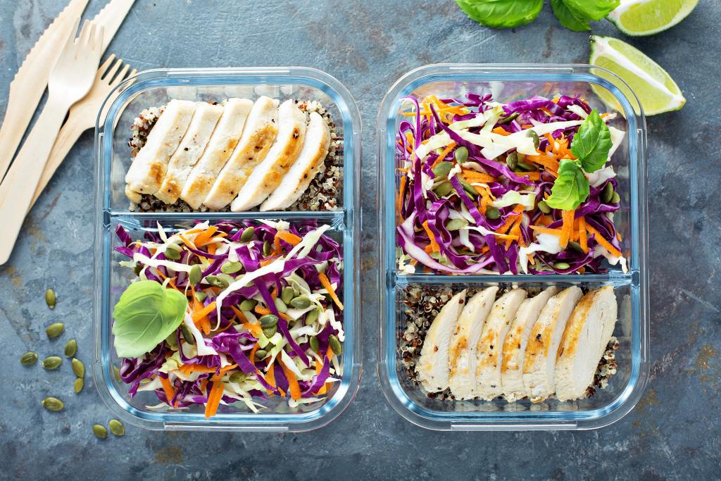 Get a simple, no-fuss strategy for easily planning and prepping your family's meals #mealplan #mealprep #meals #dinner #dinnerrecipes