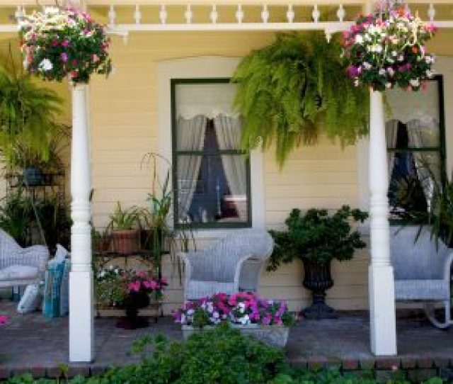 Porch Decor Hints For A More Welcoming Space