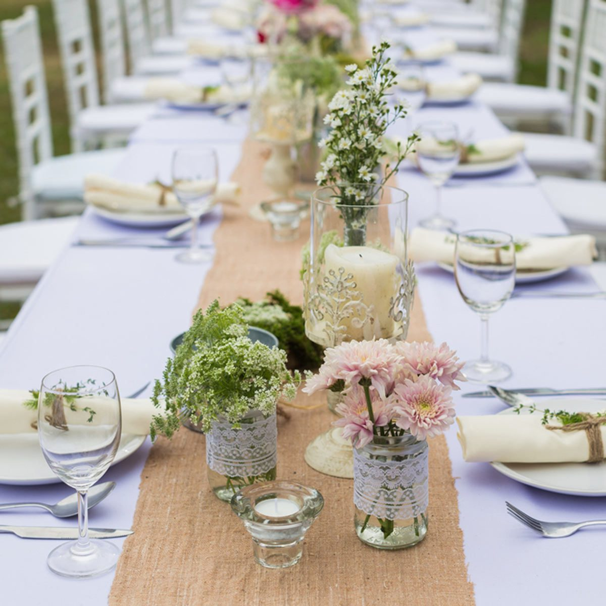 20 DIY Outdoor Wedding Decorations: DIY Wedding Decorations on Backyard Table Decor id=43707