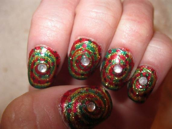 Simple Christmas Nail Designs 8