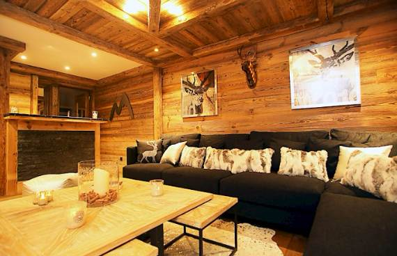 Luxurious Ski Retreat Offering Mesmerizing Views Chalet
