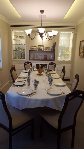finished dining area ready for shabbat