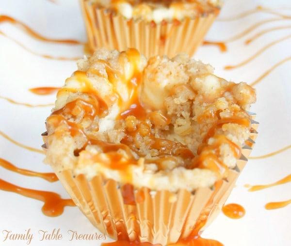 Caramel Apple Cheesecake {Cupcakes}