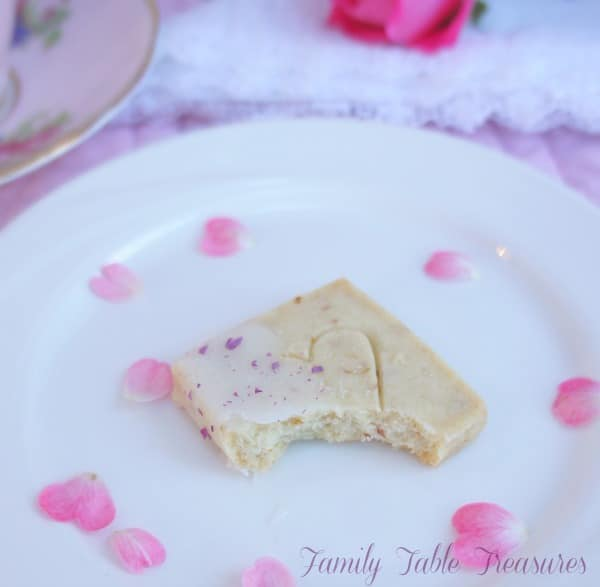 {Rose} Shortbread Cookies