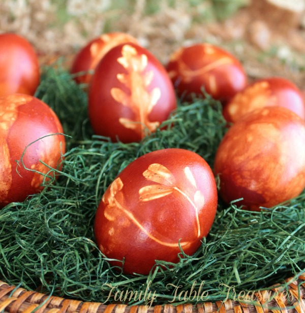 Decorating Easter Eggs {With Onion Peel Dye} {Celebrating Our Heritage Series}