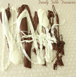 How to make Easy Chocolate Decorations