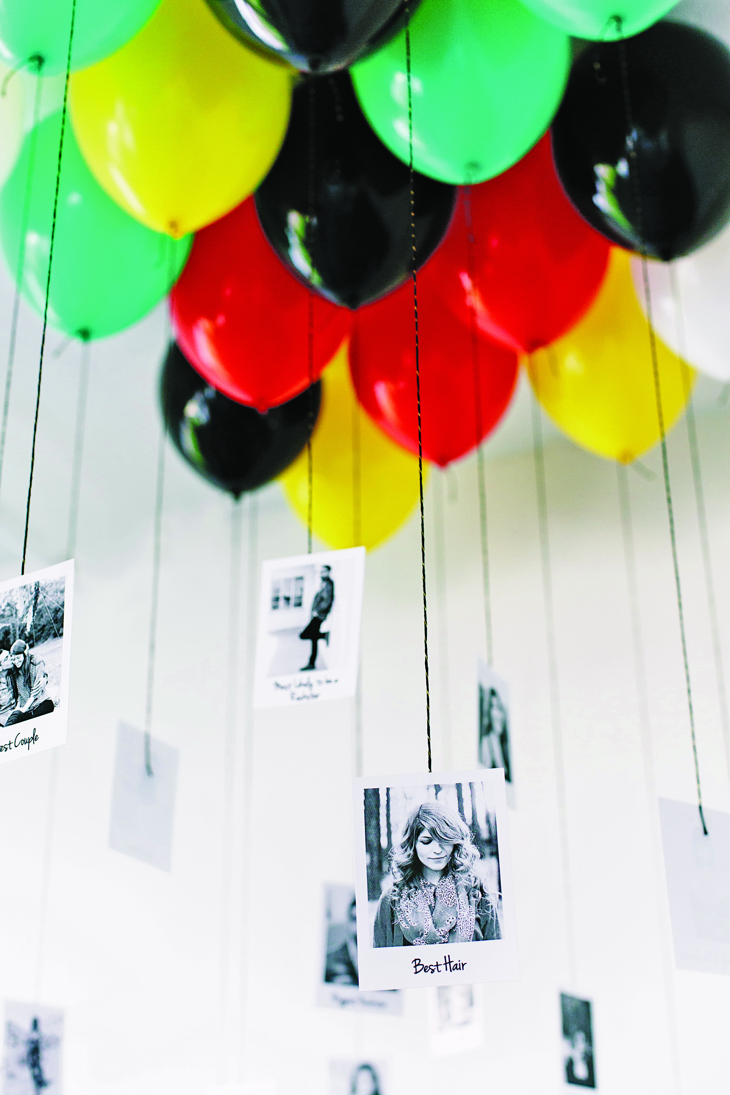 Diy graduation party decor family time magazine for Balloon decoration color combinations