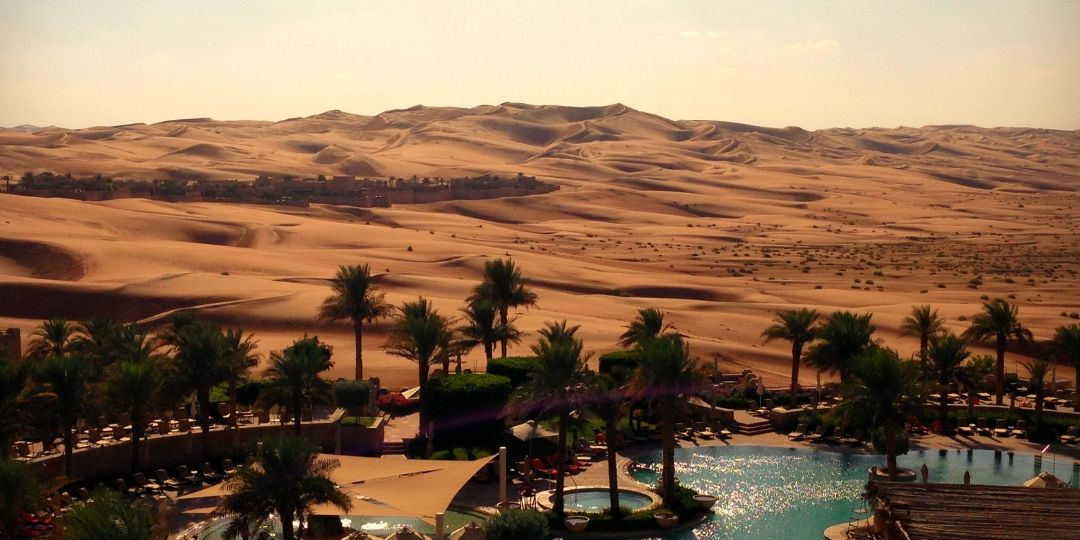 Best Luxury Desert Resorts in the UAE… with and without kids!