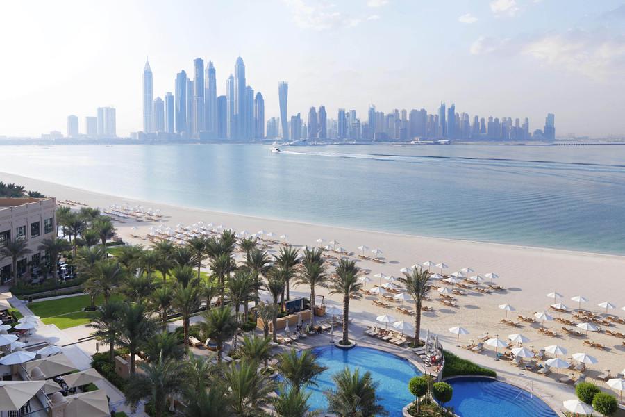 Faimont Dubai the Palm family friendly beach club