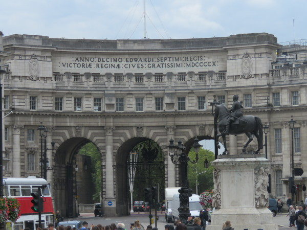 """Admiralty Arch"""