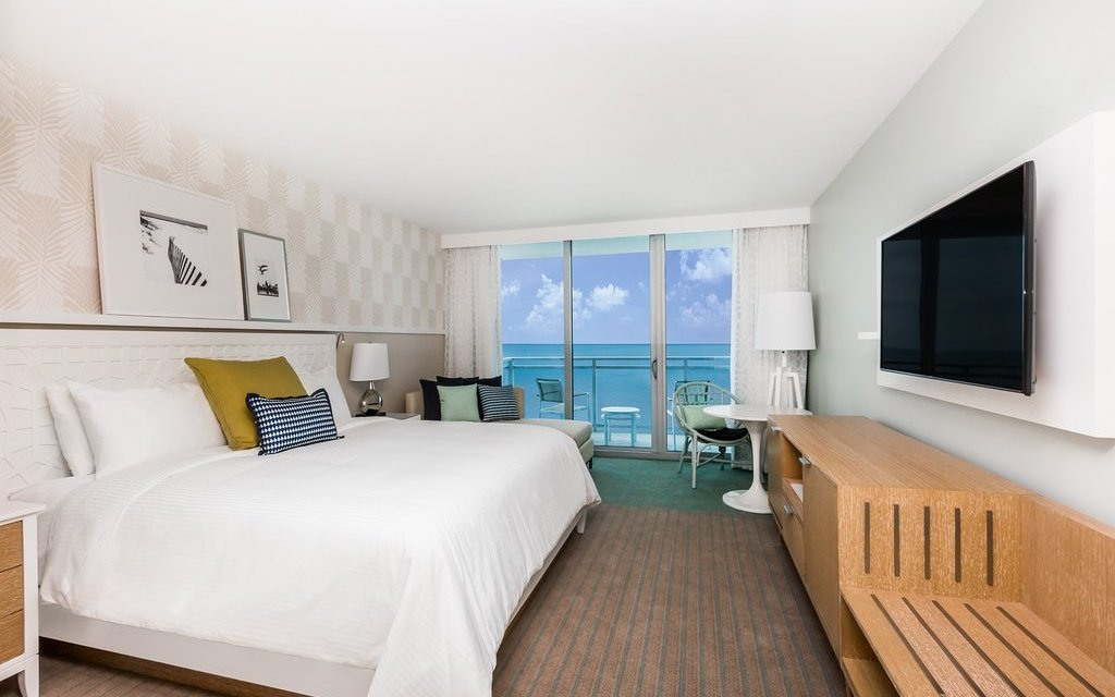 Guestroom at the Wyndham Grand Clearwater Beach; Courtesy of Wyndham Grand Clearwater Beach