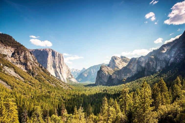 Inspiration Point in Yosemite National Park;Courtesy of Sopotnick/Shutterstock.com