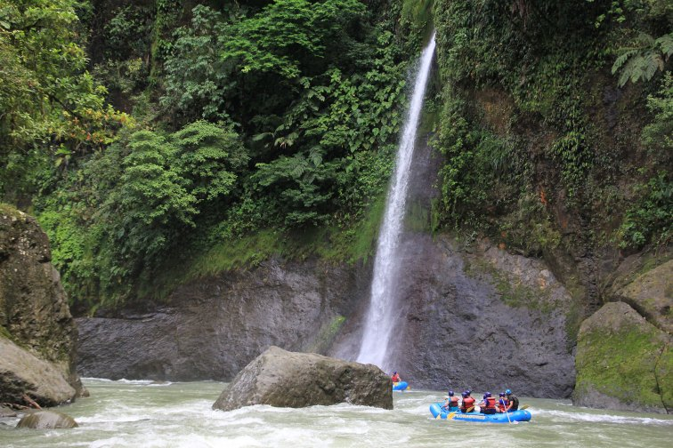 Pacuare River Rafting in Costa Rica; Courtesy of Dartamonov/Shutterstock.com