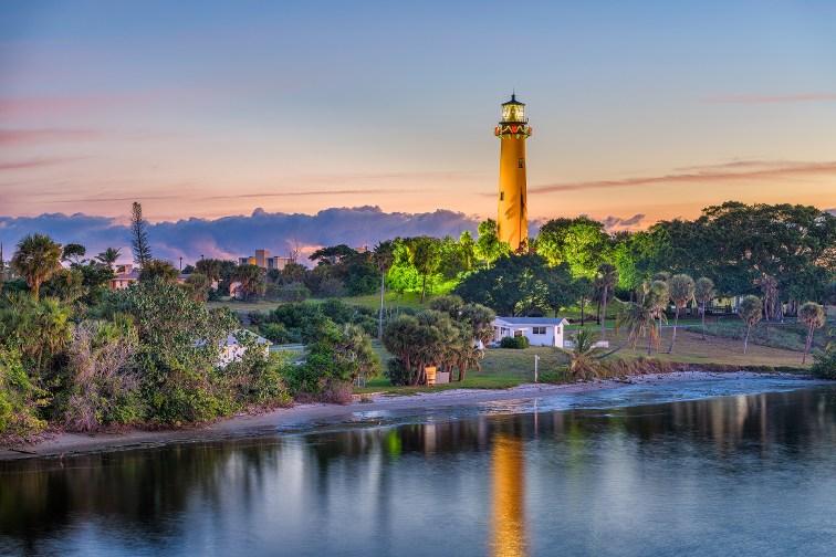 Jupiter Inlet Lighthouse in Juno Beach, Florida; Courtesy of Sean Pavone/Shutterstock.com