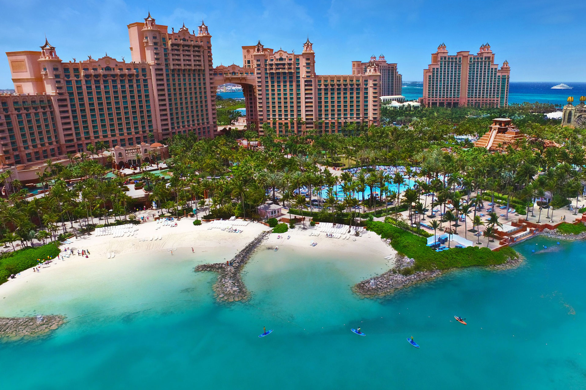 Atlantis Vs Baha Mar Which Bahamas Resort Is Best For Your Family Family Vacation Critic