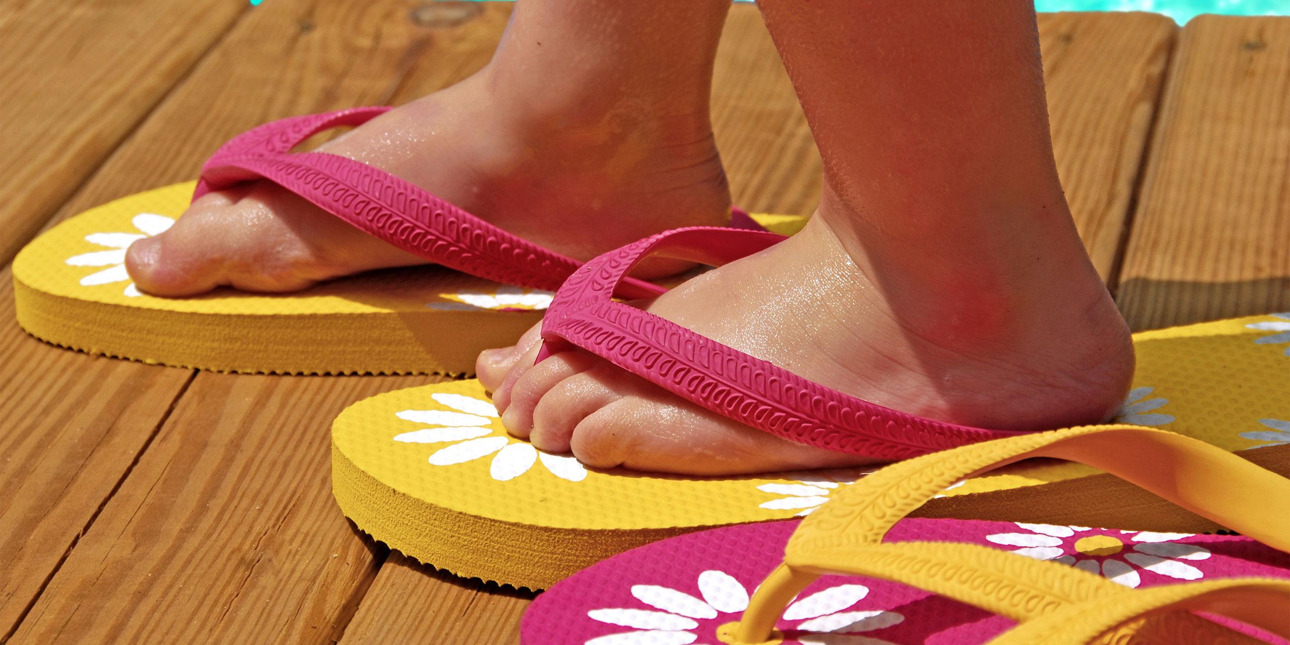 12 Best Flip Flops for Kids 2020
