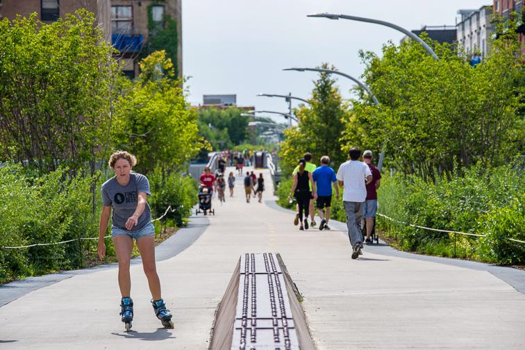 Bike or Walk The 606 ;Courtesy of Choose Chicago