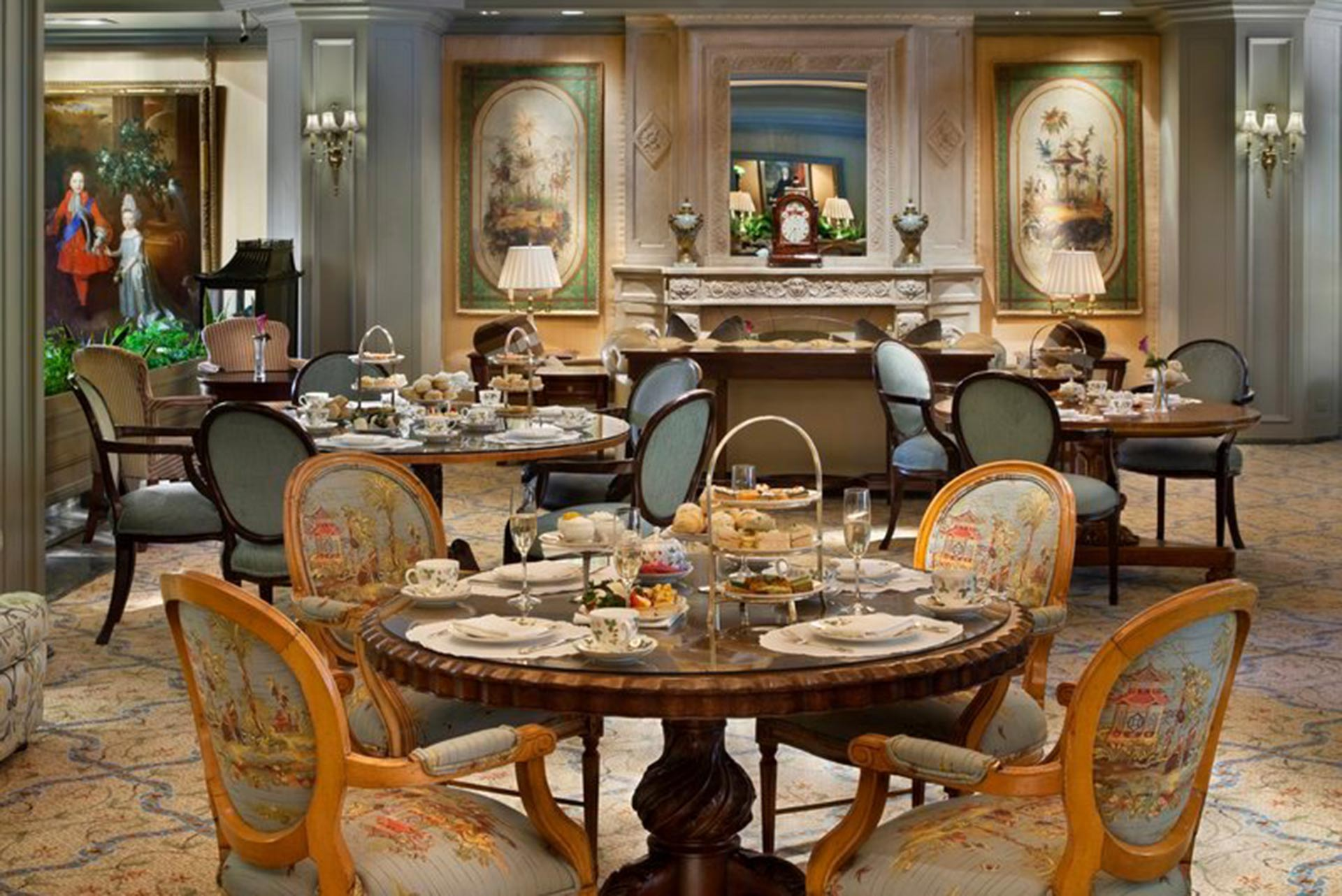 The restaurant at Windsor Court Hotel in New Orleans