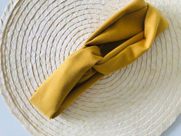 Okergeel tricot