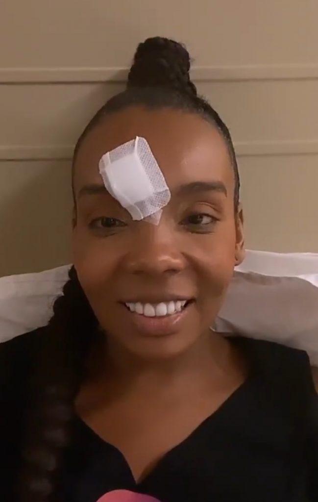 Vencedora do BBB, Thelma Assis, sofre acidente no palco do Criança Esperança
