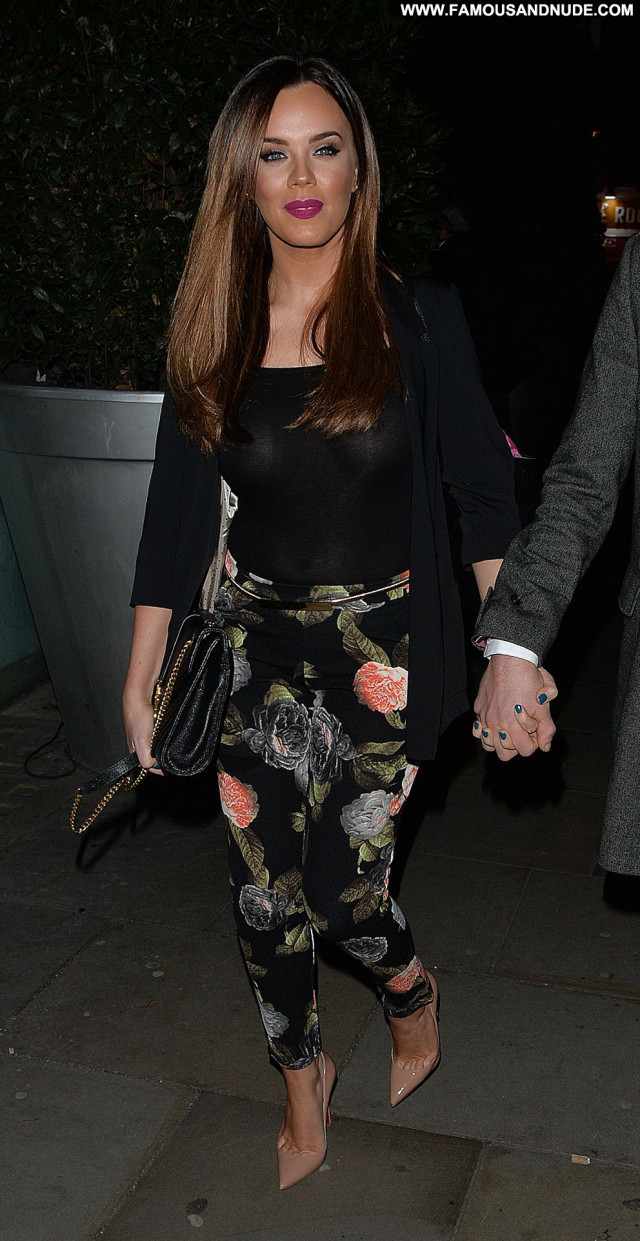 Maria Fowler Celebrity London Posing Hot Babe Braless Paparazzi