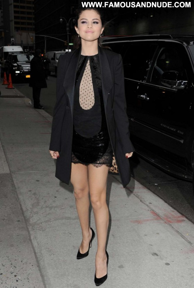 Selena Gomez The Late Show Beautiful Paparazzi Posing Hot Babe Nyc