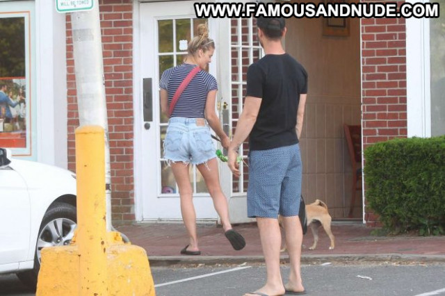 Nina Agdal No Source Babe Beautiful Posing Hot Celebrity Paparazzi