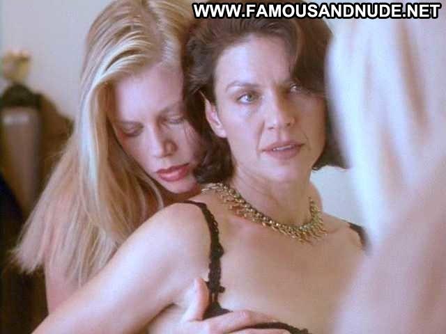 Wendy Crewson Nude Sexy Scene Mercy 2000 Kissing Lesbian Bra