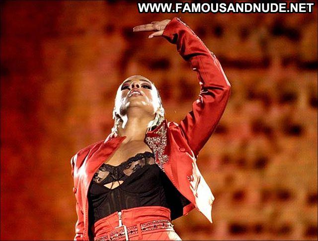 Alicia Keys Famous Singer Ebony Babe Celebrity Posing Hot Celebrity