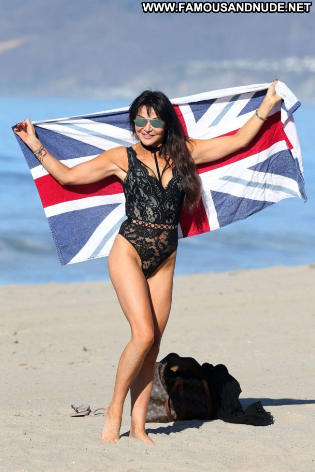 Lizzie Cundy No Source Posing Hot Black Beautiful Swimsuit Babe
