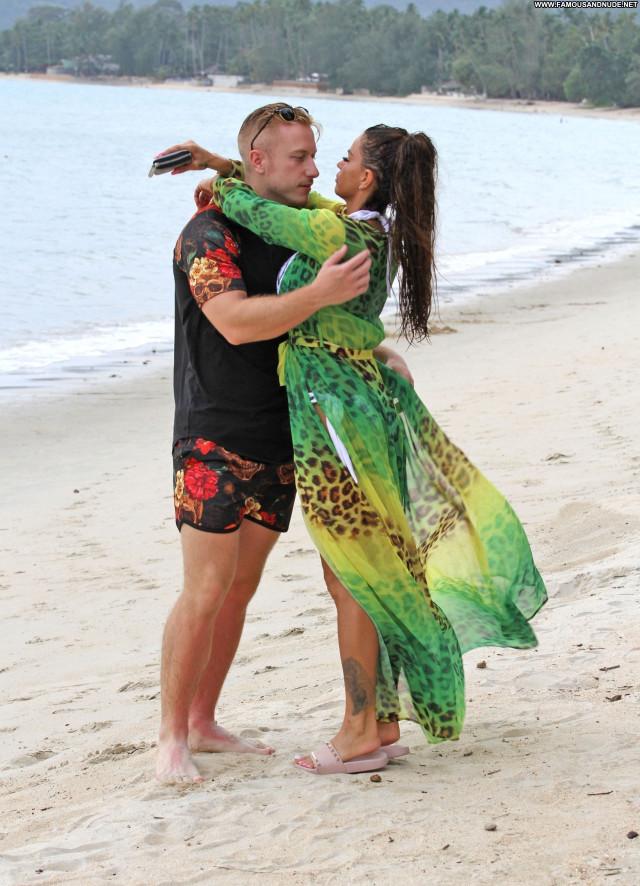 Replies The Beach Couple Thai Videos Jordan Beach Thailand Happy Babe