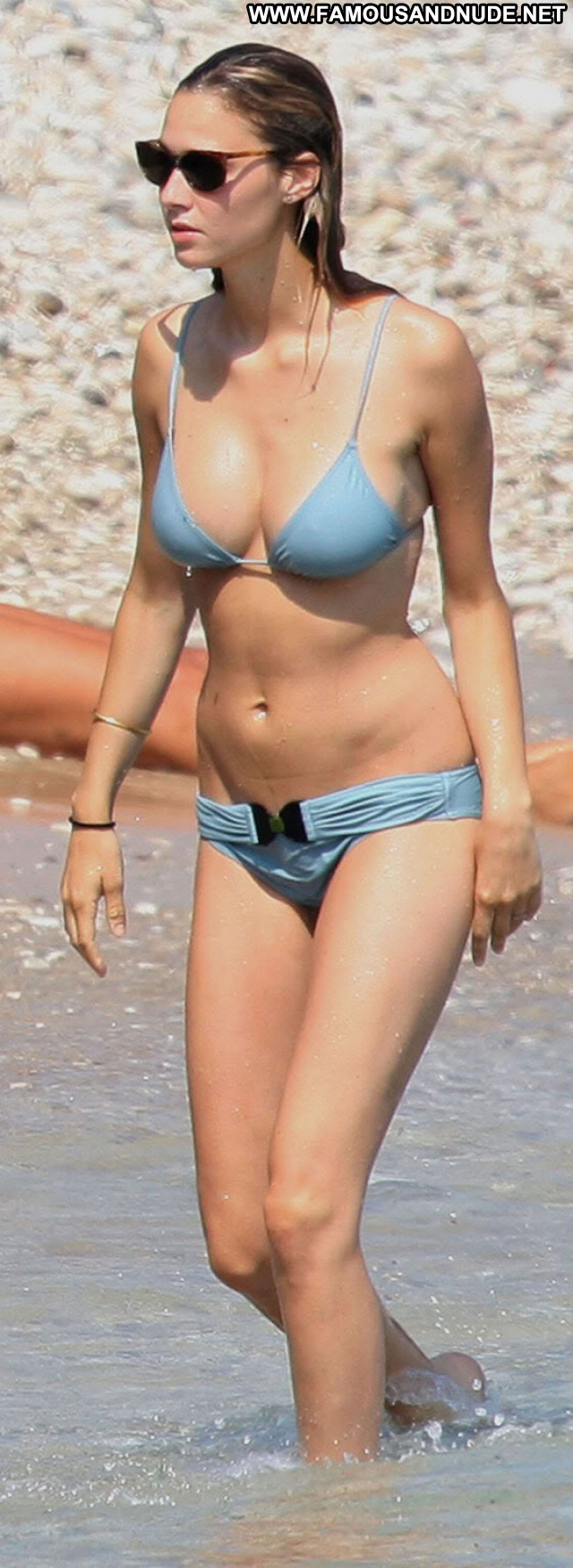 Beatrice Borromeo Babe Beautiful Posing Hot Celebrity Nude Scene Sexy