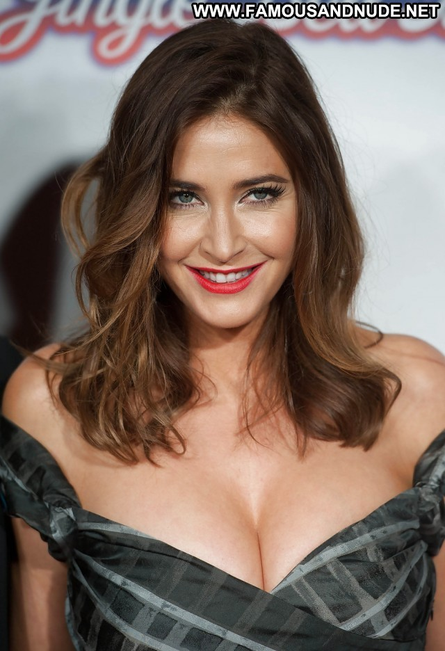 Lisa Snowdon Pictures Bus Sexy Hot Celebrity