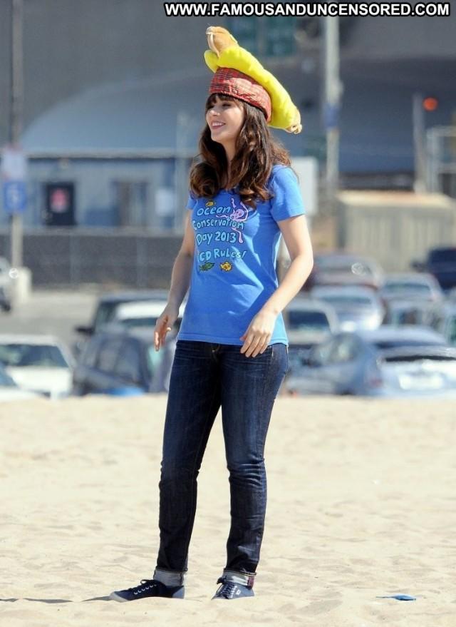 Zooey Deschanel New Girl Celebrity Posing Hot Beautiful Malibu Babe