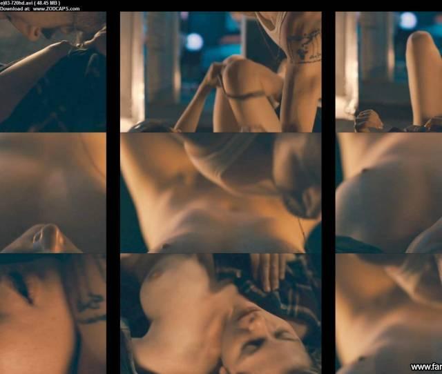 Blue Valentine Porn Michelle Williams And Sarah Silverman Take This Waltz Jpg 1800x1043