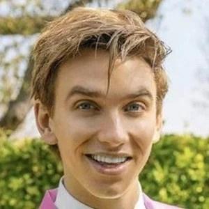 Stephen Sharer Girlfriend