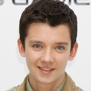 So, how old is asa butterfield in 2021 and what is his height and weight? Asa Butterfield Bio Family Trivia Famous Birthdays