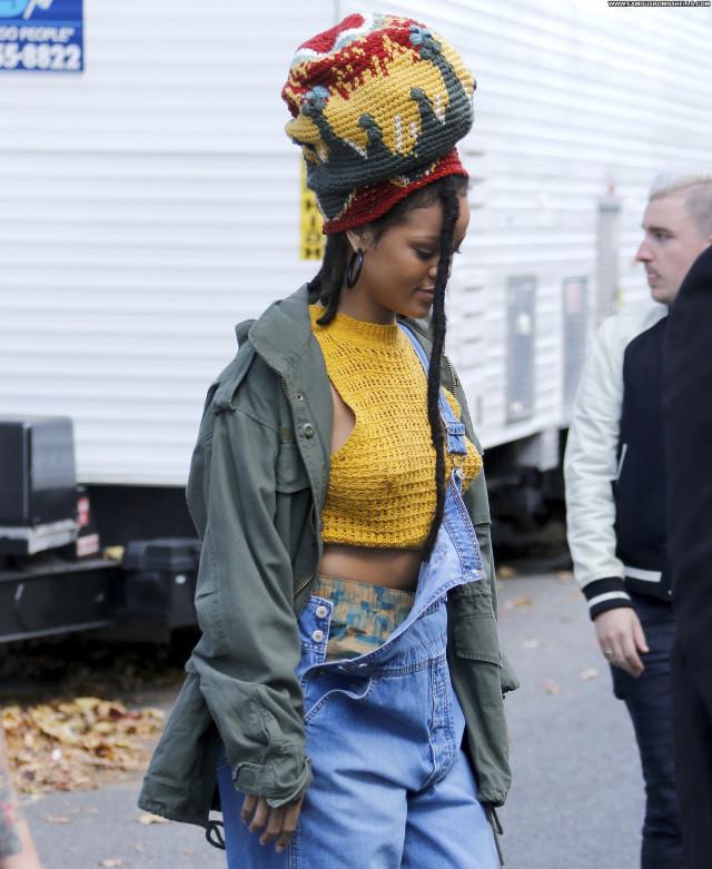 Rihanna Singer Beautiful Posing Hot Celebrity Babe Bra Hd Cute