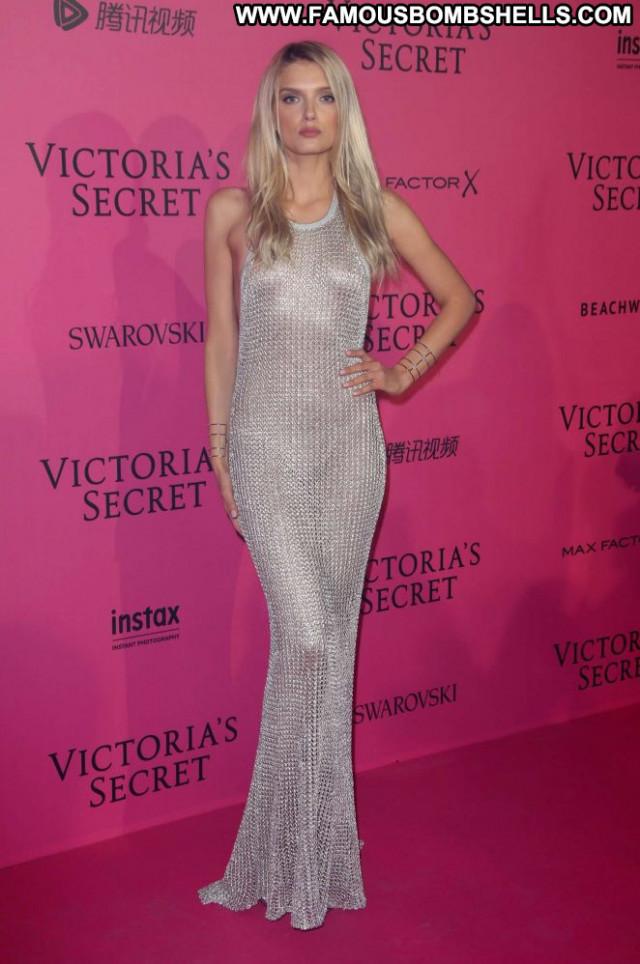 Lily Donaldson Fashion Show Paris Party Fashion Paparazzi