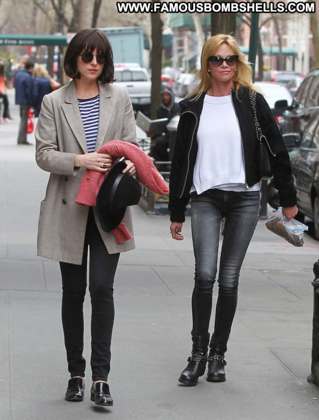 Dakota Johnson Mom Beautiful Celebrity Nyc Paparazzi Posing Hot Babe