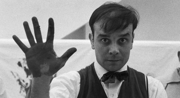 Yves Klein Photo