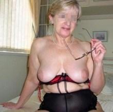 Femme mature veut essayer l'anal à Nîmes