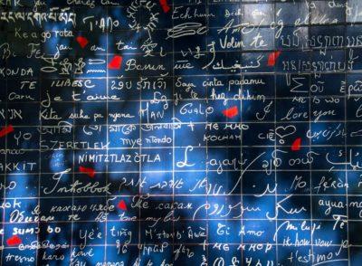 """Montmartre. Le mur des je t'aime pour le challenge #igersfrance #igf256 """"bleu"""". . 311 «je t'aime» en 250 langues. La vie en bleu ?? . . . #france_photolovers  #bns_paris #france4dreams #france_focus_on #hello_france #igers_opengallery  #igersparis  #parisnow  #loves_paris_  #loves_united_paris  #loves_united_places  #france_photos  #paris_focus_on #paris_vacations #pariscartepostale  #parisinsolite #parisismoveablefeast #parismaville  #parissecret #street_focus_on  #montmartre  #super_paris_channel #theparisguru #topparisphoto  #total_france  #seulementparis  #yourhappyfrance"""