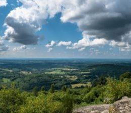 2018_07-08_vacances_ete_Limousin_haute_vienne_Ambazac_pierre_branlante_0020