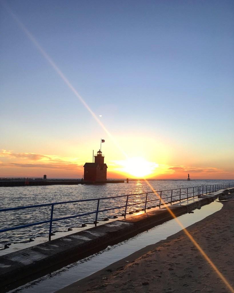 holland lighthouse