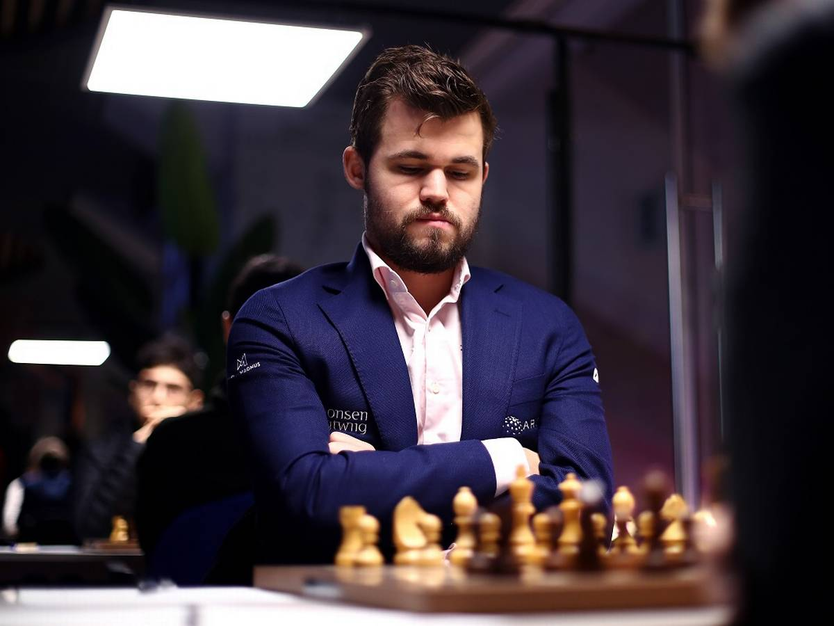 top famous chess player Magnus Carlsen